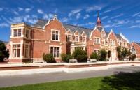 新西兰留学高考后直接入读新西兰林肯大学本科申请条件
