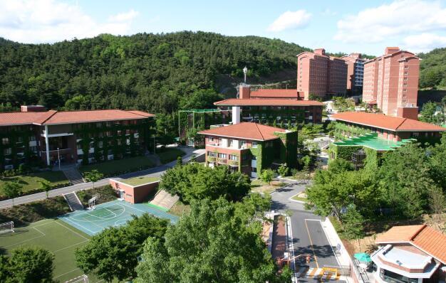 韩国各大学预告将逐步开启线下授课模式!