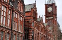 提升自我不满现状留学英国,实力不凡斩获利物浦大学录取