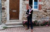 法国后浪:史上最年轻彪悍,19岁当选镇长,法国人看了都点赞