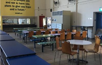 初三学子降级一年顺利入学圣法兰西斯中学二年级课程