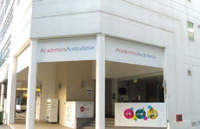 新加坡澳亚学院1+1陪伴计划,着力解决妈妈们陪读问题