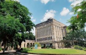 不负众望!王同学转专业成功申请昆士兰大学经济与金融专业!