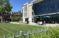 福利!加拿大启动大学生服务补助金,为自愿到社区服务应对疫情的学生提供支持!