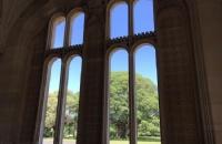 邦德大学是否被高估?