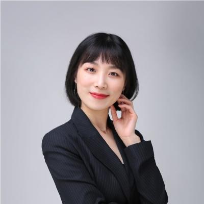 英港部经理 赵惠老师