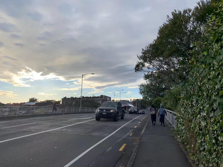 太好了,新西兰移民局又要放宽边境了,新西兰大学表示热切期待留学生的归来!