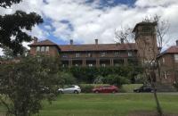 在西悉尼大学读本科需要多少钱?