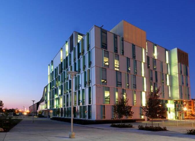 你想要的本科课程,除了大学加拿大汉博学院也可以给你!