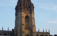 在牛津大学读本科需要多少钱?