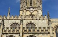 在牛津大学读本科大约需要多少花费?