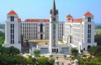 泰国留学:选择易三仓大学的十大理由