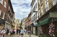 为什么有超多留学生选择去法尔茅斯大学?