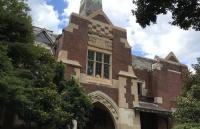 在维多利亚大学读本科大约需要多少花费?