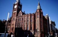根据学生情况匹配出最合适的院校与专业,获利物浦大学青睐!