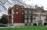 劳伦森大学的淘汰率高吗?