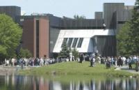 在尼皮辛大学读硕士大约需要多少花费?