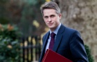 英国教育部官宣:2021大学学费新规,降低录取标准!