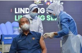 马来西亚新冠疫苗接种计划正式展开,首相成为大马接种疫苗第一人!