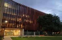 澳国立商业与经济学院教授荣获杰出管理学奖!