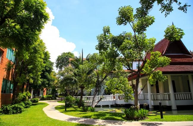 曼谷帕塔纳学校