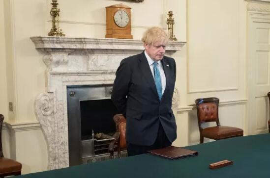 英国全国默哀一分钟,移民局重磅更新签证延期