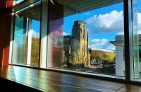 曼彻斯特大学留学本科一年学费加生活费多少?