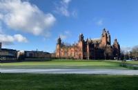 西苏格兰大学留学硕士一年学费加生活费多少?