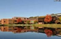 在康尼斯托加学院上学,一个月的开销大概会是多少?