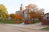 最新调查:美国私立大学的平均学费折扣达到50%