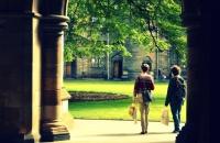亚伯大学一年生活费大概多少?