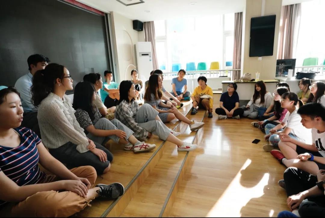 这个暑假,在长沙和来自清华斯坦福的学姐学长一起读书|格致计划×立思辰留学