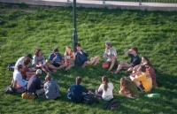 2021高校毕业生就业报告出炉,国内留学生价值几许?只能说:太吃香!