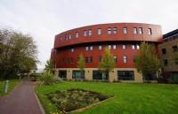 西伦敦大学相当于中国什么层次的大学?