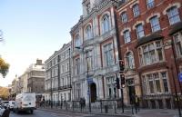 金融学Top10英国院校申请都需要多少分?