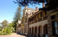 南昆士兰大学有没有奖学金,南昆士兰大学研究生学费会收取多少?