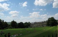 去英国留学读书哪些名校的专业人少好申排名还高!