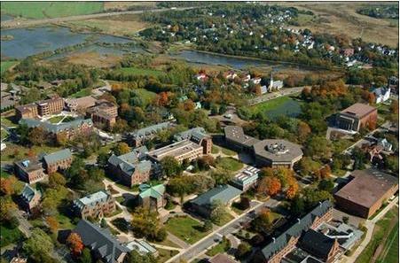 申请加拿大本科名校,高考成绩有何要求?