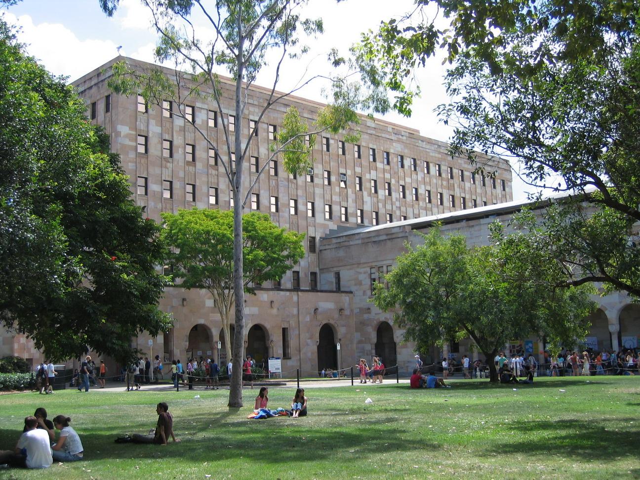 昆士兰大学与澳洲国立大学哪个大学更好之申请难度