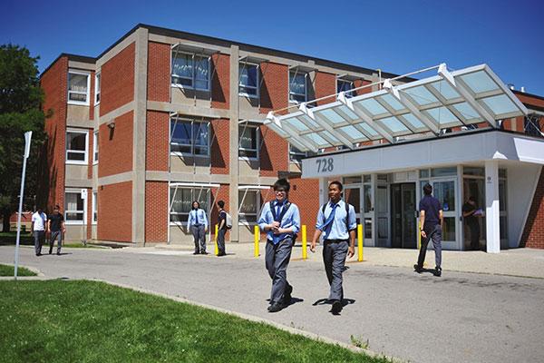 加拿大最早接受国际学生的公立学校――西温公立教育局