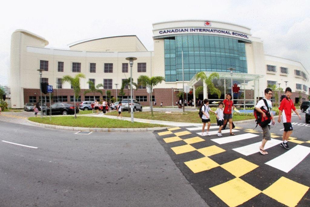 新加坡加拿大国际学校双语教育的创新和坚持具体体现在哪些方面呢?