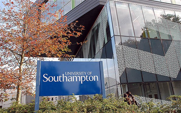 南安普顿大学校园风景