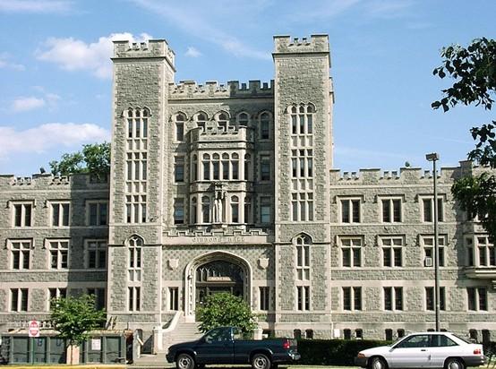 美国天主教大学交通