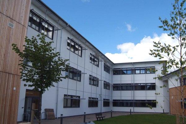 如何申请英国法尔茅斯大学学院?我来告诉你