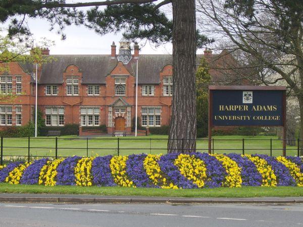 哈珀亚当斯大学真有那么贵么?看完这份清单就明白