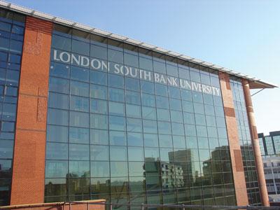 还在担心毕业就失业?伦敦南岸大学给予学生一对一的就业指导