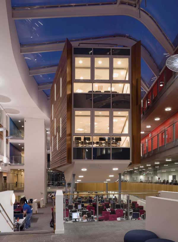 英国爱丁堡玛格丽特女王大学真的有那么贵么?看完这份清单你就明白