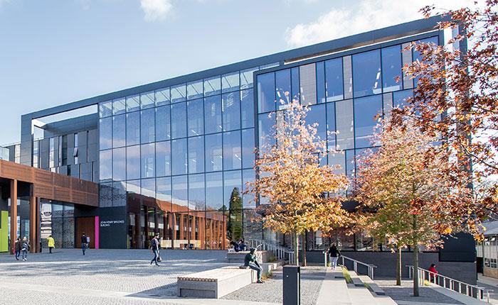 位于世界学术名城的牛津布鲁克斯大学