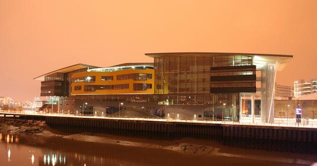 威尔士大学新港学院