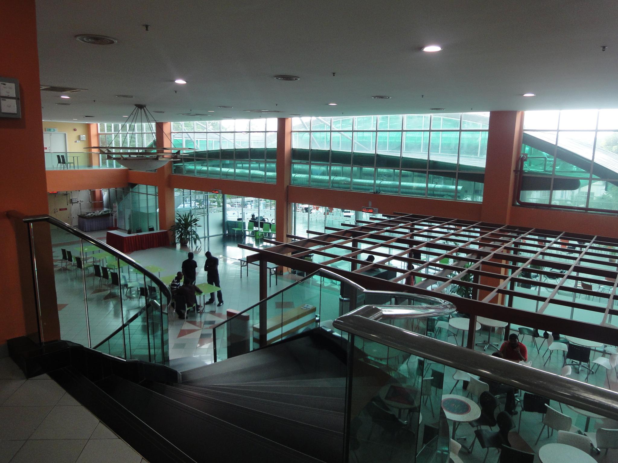 工薪家庭留学首选!马来西亚思特雅大学